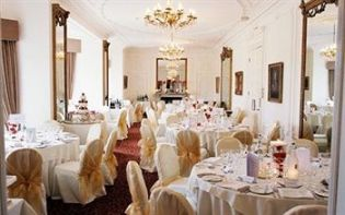 How to organise a banquet hall